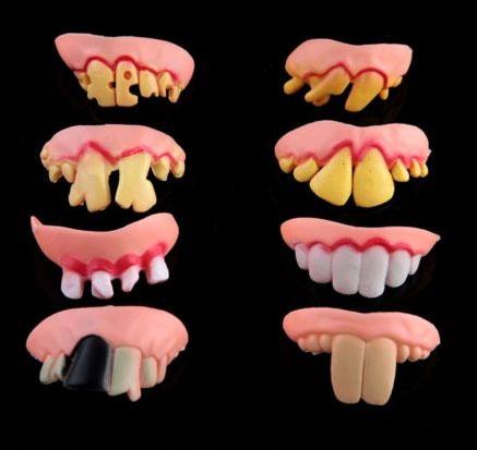 Žaisliniai imitaciniai dantys