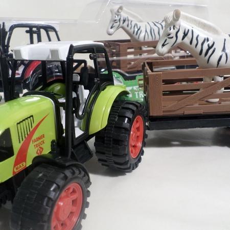 Traktorius gyvuliams pervežti